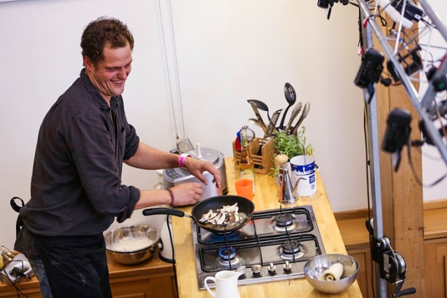 Sneaky Treats3 - copyright Abergavenny Food Festival  1- photographer Tim Woodier